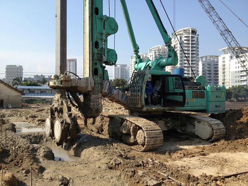 双轮铣水泥土截渗墙现场施工照片01