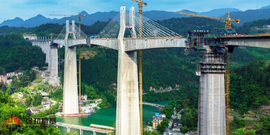 预应力鱼腹式基坑钢支撑:重庆阿蓬江特大桥